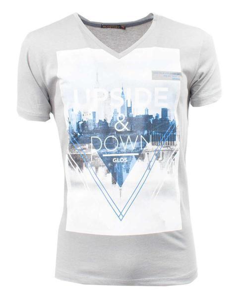 camiseta gris estampada con cuello v