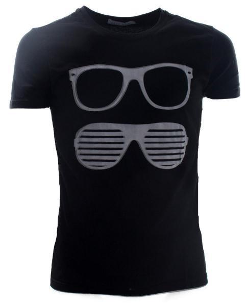 camiseta negra basica vintage