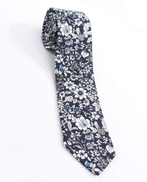 corbata azul estampada flores