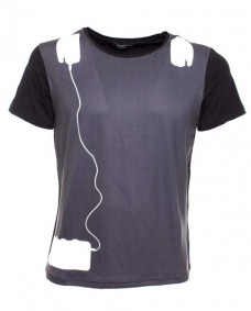 camiseta basica negra estampada de manga corta