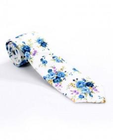 corbata blanca diseño floral azul